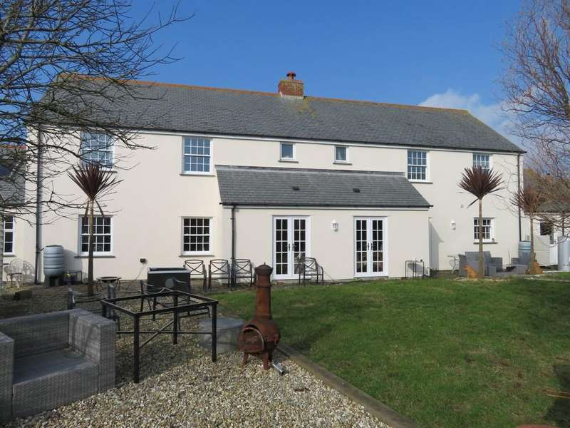 5 Bedrooms Detached House for sale in Tower Meadows, St. Buryan, Penzance