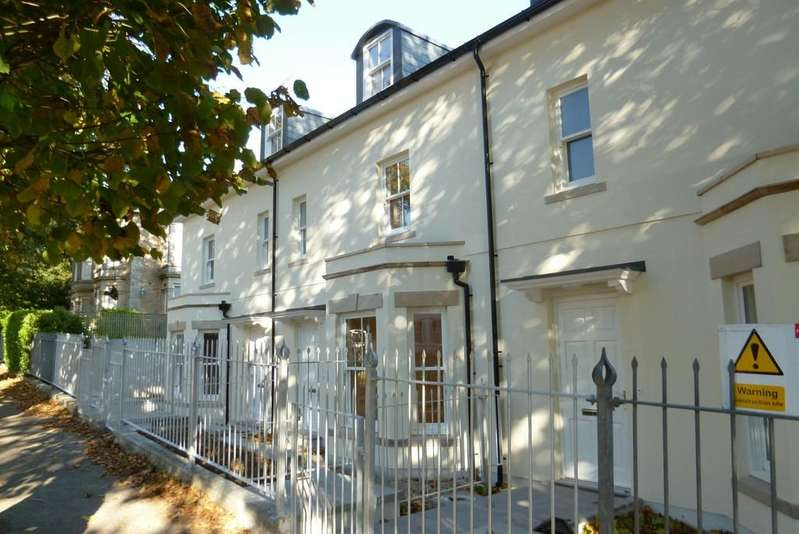 4 Bedrooms Terraced House for sale in Trewithen Road, Penzance