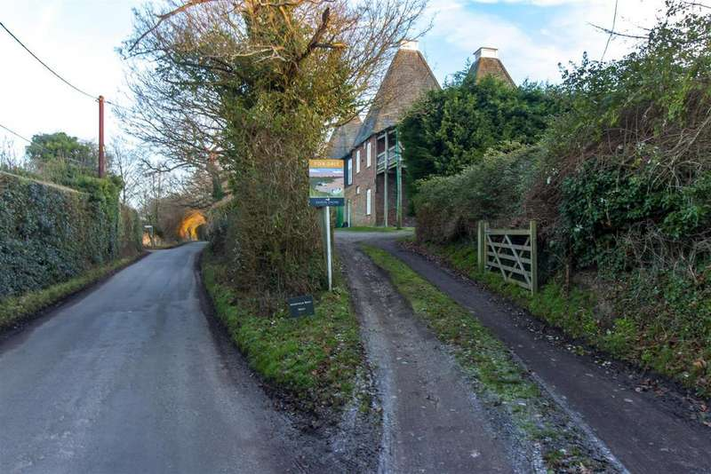 4 Bedrooms Semi Detached House for sale in Hogbens Hill, Selling, Faversham