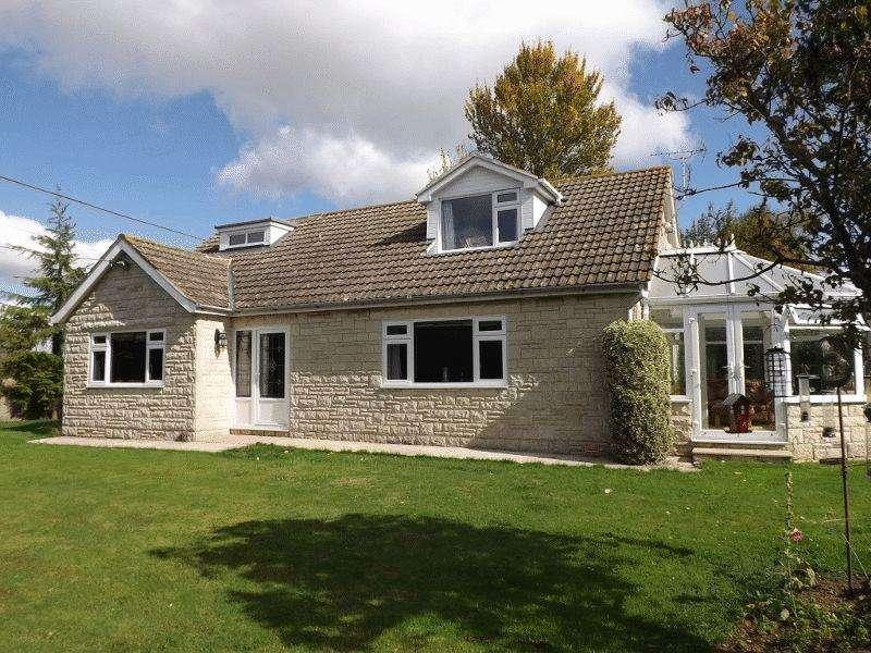 3 Bedrooms Bungalow for sale in The Marsh, Henstridge