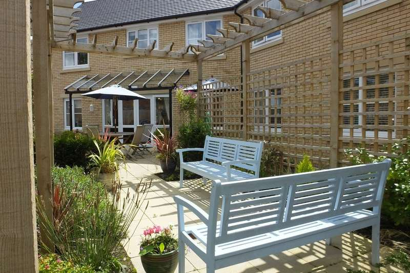 1 Bedroom Flat for sale in Cirencester