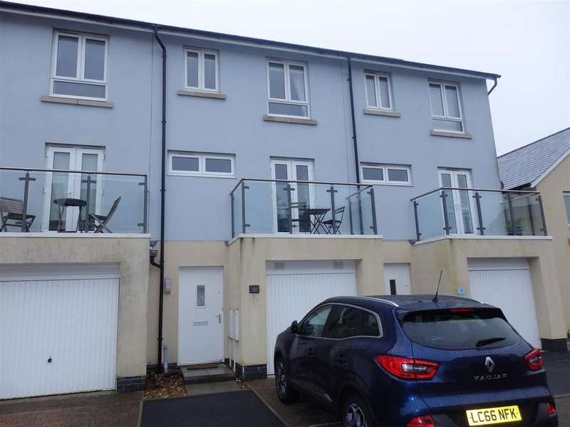 3 Bedrooms Terraced House for sale in Janion, Llanelli