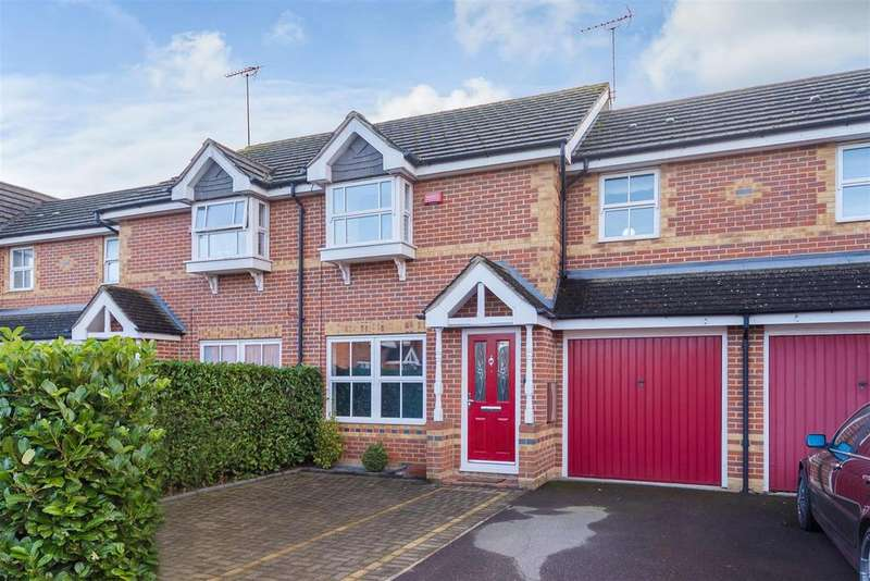 3 Bedrooms Terraced House for sale in Moundsfield Way, Cippenham