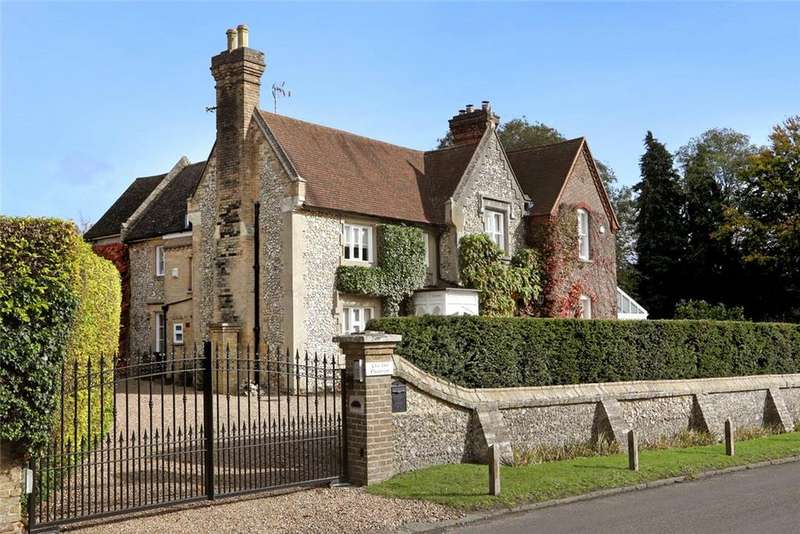 5 Bedrooms Detached House for sale in The Common, Chipperfield, Kings Langley, Hertfordshire, WD4
