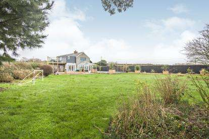 5 Bedrooms Detached House for sale in Quintrell Downs, Newquay, Cornwall