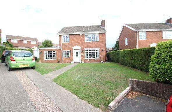 4 Bedrooms Detached House for sale in Caldicot Close, Grove Park, Blackwood, Gwent NP12