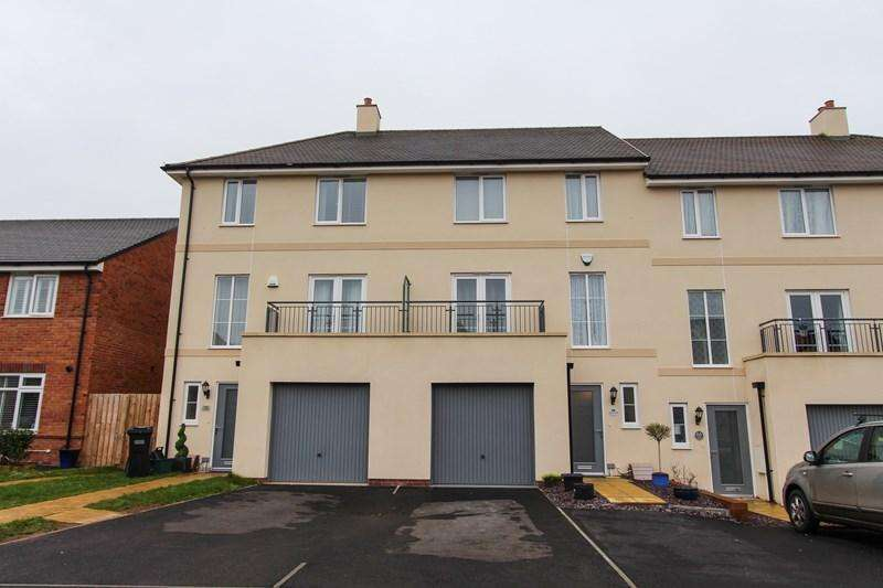 4 Bedrooms Terraced House for sale in Augustus Avenue, Keynsham, Bristol