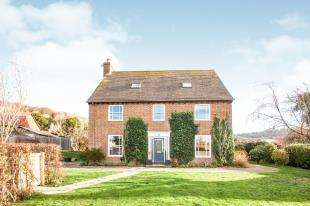 5 Bedrooms Detached House for sale in Egerton Road, Temple Ewell, Dover, Kent