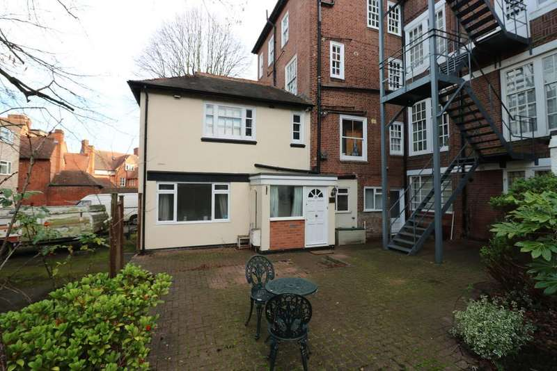 1 Bedroom Mews House for sale in De Montfort Court, Stoneygate