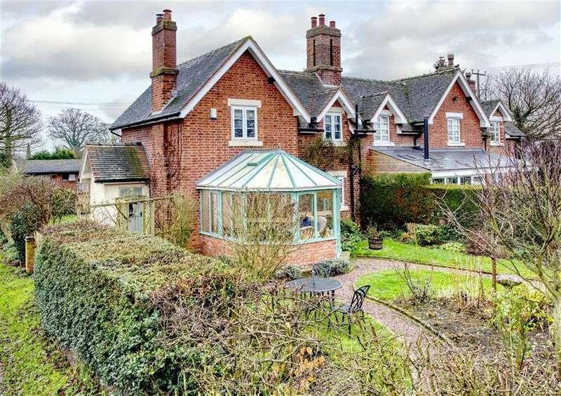 2 Bedrooms Cottage House for sale in Poppy Cottage, 1, Rushey Lane, Albrighton, Wolverhampton, Shropshire, WV7