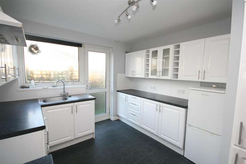 3 Bedrooms Detached Bungalow for sale in Edith Avenue North, Peacehaven