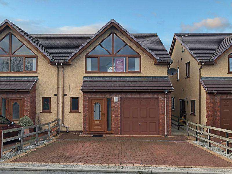 3 Bedrooms Semi Detached House for sale in Valley, Anglesey