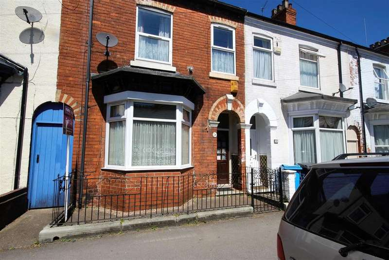 3 Bedrooms Town House for sale in Duesbery Street, Hull