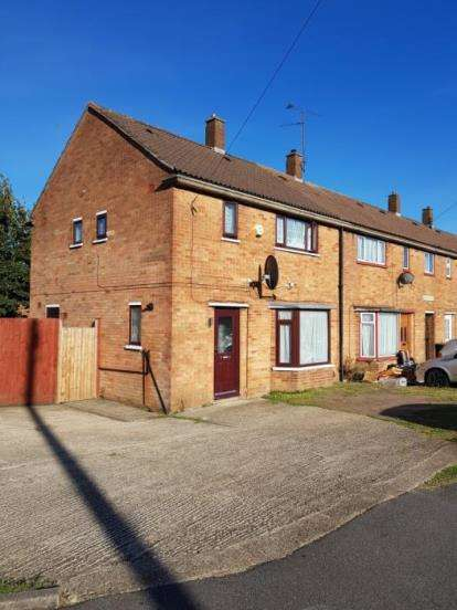 3 Bedrooms Semi Detached House for sale in Hallwicks Road, Luton, Bedfordshire