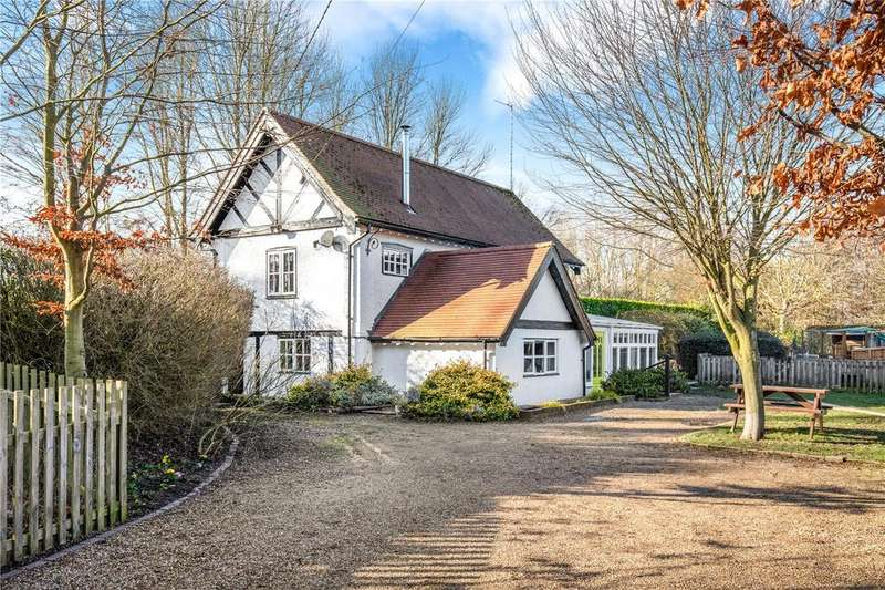 3 Bedrooms Detached House for sale in Wharf Lane, Dudswell, Berkhamsted, Hertfordshire, HP4