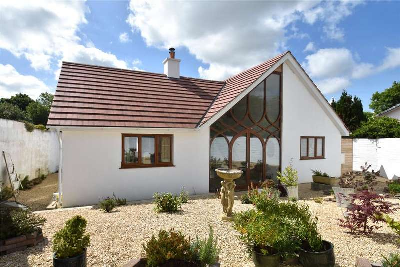 3 Bedrooms Bungalow for sale in Taylors Lane, Newquay