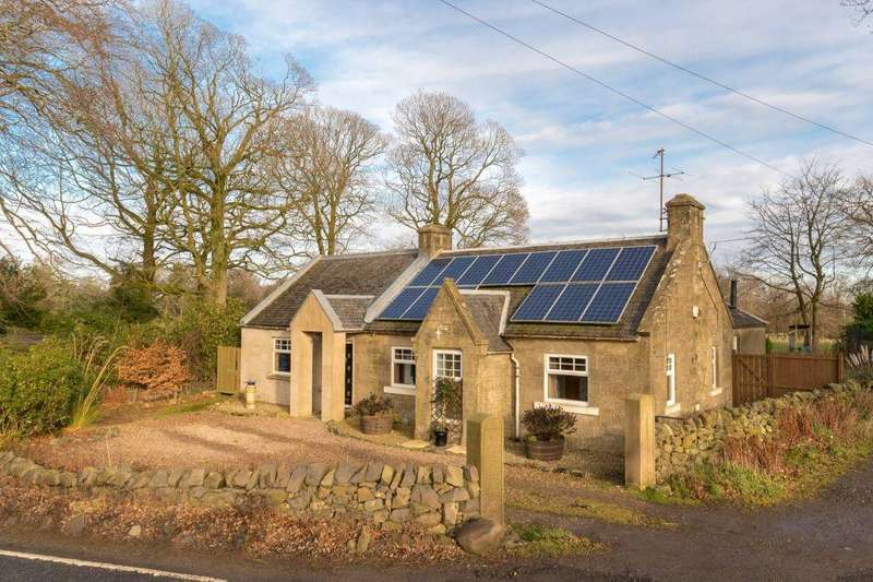 5 Bedrooms Cottage House for sale in Kirknewton South Lodge, Kirknewton, EH27 8DA