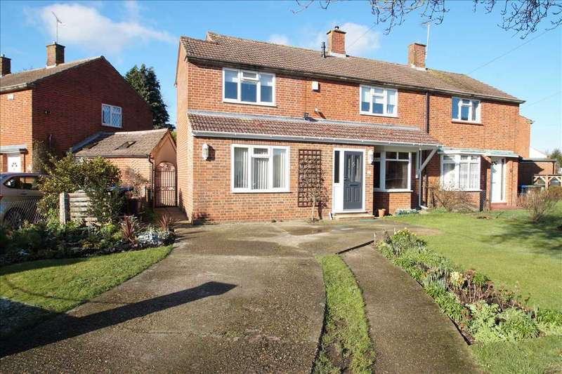 3 Bedrooms Semi Detached House for sale in Eight Acres, Burnham