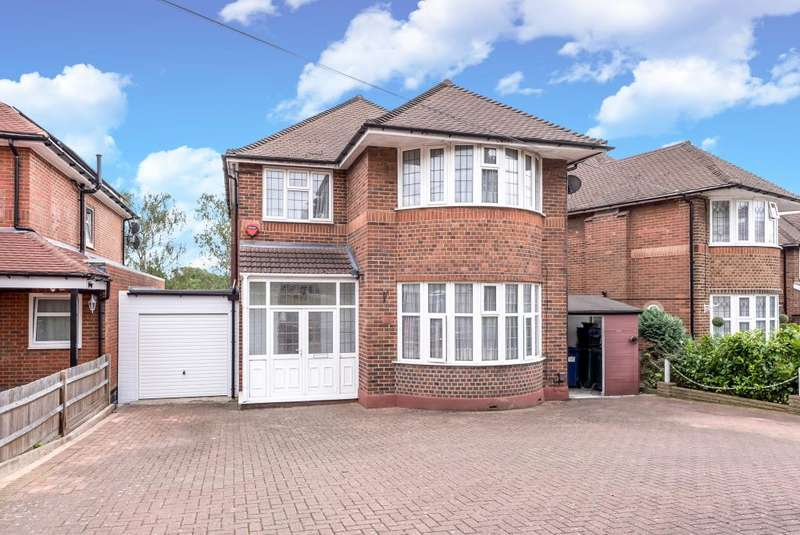 3 Bedrooms Detached House for sale in Woodside Park, London, N12, N12