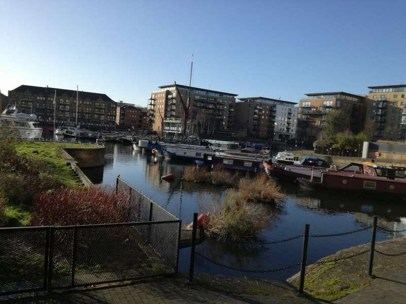 2 Bedrooms Apartment Flat for sale in Basin Approach, Limehouse, london, E14