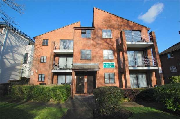 2 Bedrooms Flat for sale in Alexander Court, 89 Bromley Road, Shortlands, BROMLEY, Kent