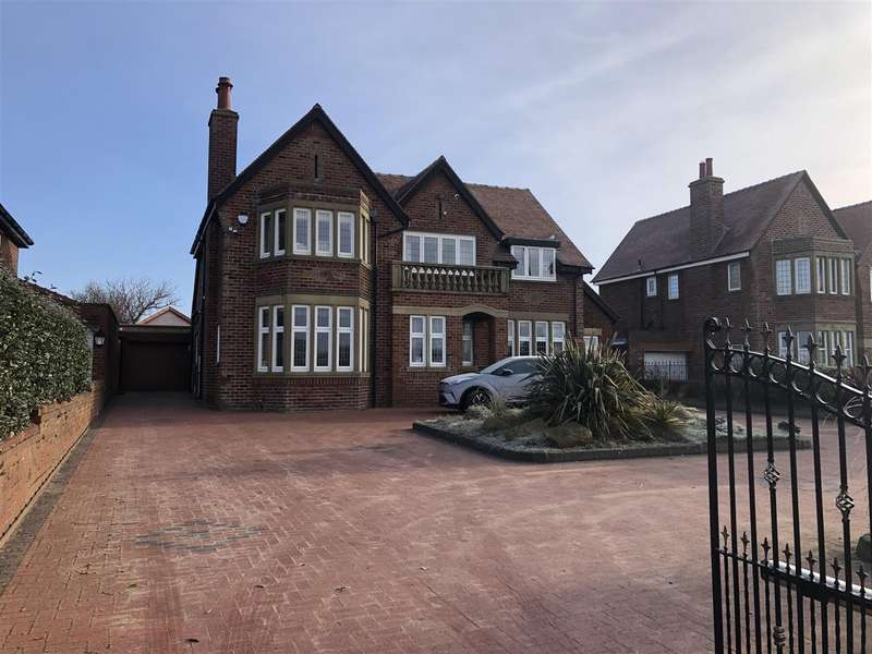 5 Bedrooms Detached House for sale in Clifton Drive North, Lytham St Annes