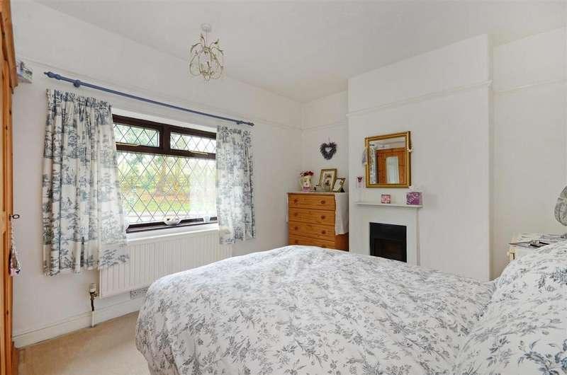 3 Bedrooms Semi Detached House for sale in Millcross Lane, Barlow, Dronfield