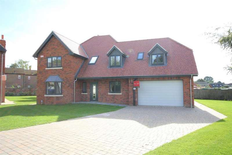 5 Bedrooms Detached House for sale in Church Lane, Elloughton, Brough