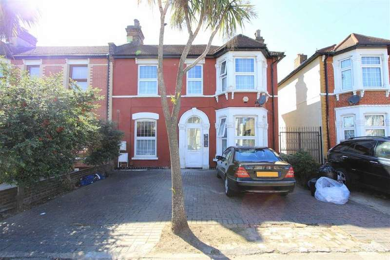 4 Bedrooms Flat for sale in Richmond Road, Ilford, Essex, IG1