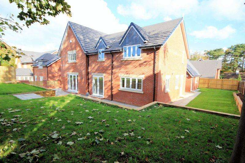5 Bedrooms Detached House for sale in Nicholls Lane, Stone