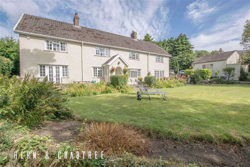 4 Bedrooms Detached House for sale in Heol Y Pentre, Pentyrch, Cardiff