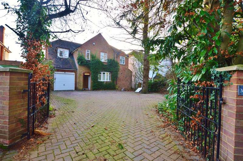 4 Bedrooms Detached House for sale in One Pin Lane, Farnham Common, Slough