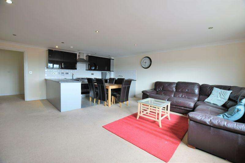 3 Bedrooms Apartment Flat for sale in Riverside Lawns, Peel Street, Lincoln