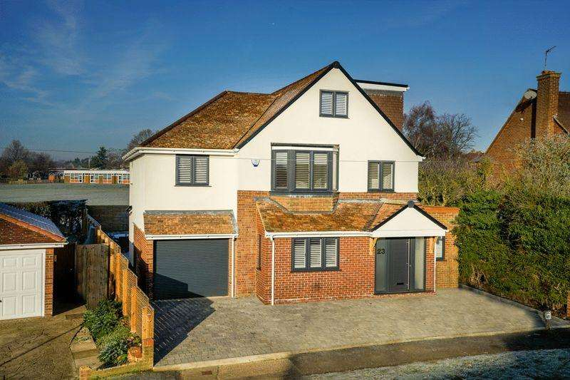 5 Bedrooms Detached House for sale in Lords Meadow, Redbourn