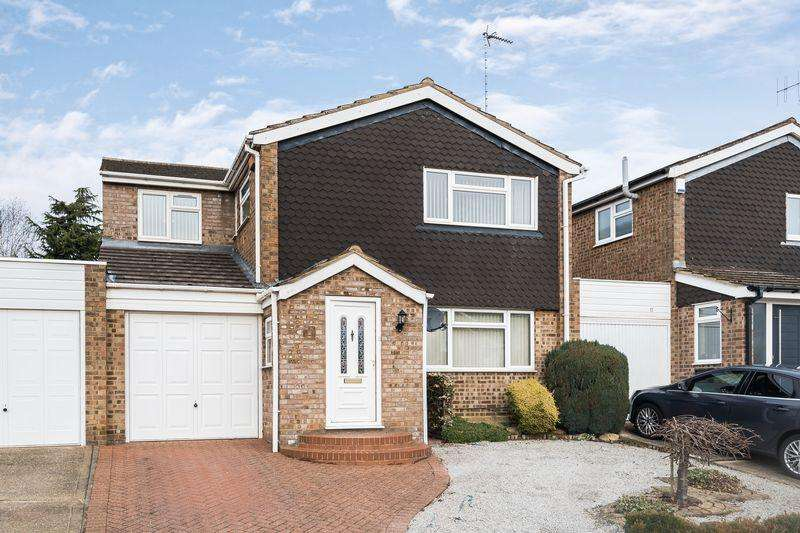 4 Bedrooms Detached House for sale in Lammas Way, Ampthill