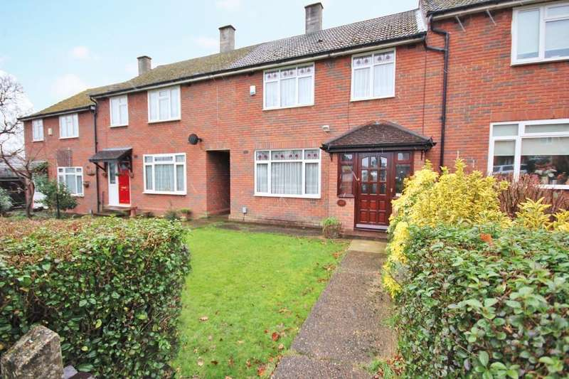 3 Bedrooms Terraced House for sale in Lushes Road, Loughton