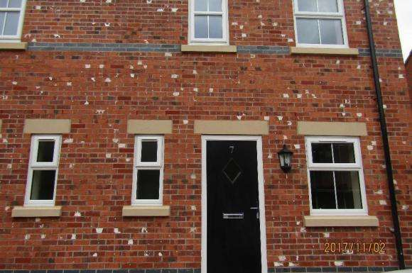2 Bedrooms Semi Detached House for sale in Browning Street, Crewe