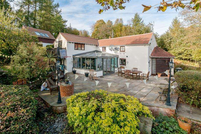 4 Bedrooms Detached House for sale in May Hill, Longhope