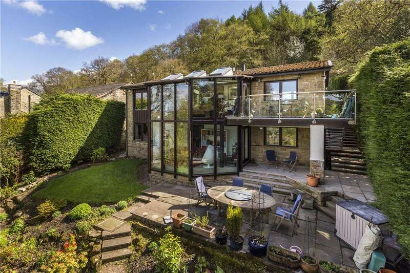 4 Bedrooms Detached House for sale in Hollin Hall Drive, Ilkley, West Yorkshire