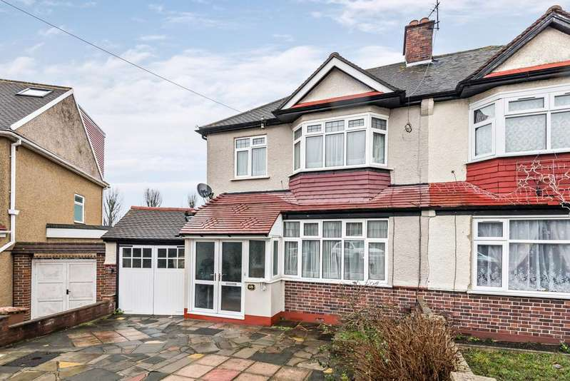 3 Bedrooms Semi Detached House for sale in Woodyates Road Lee SE12