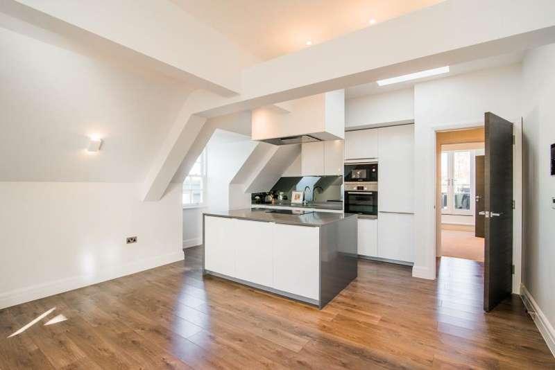 3 Bedrooms Penthouse Flat for sale in Kew Bridge Road, Brentford TW8