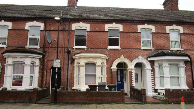 6 Bedrooms Terraced House for sale in Grafton Road, Bedford