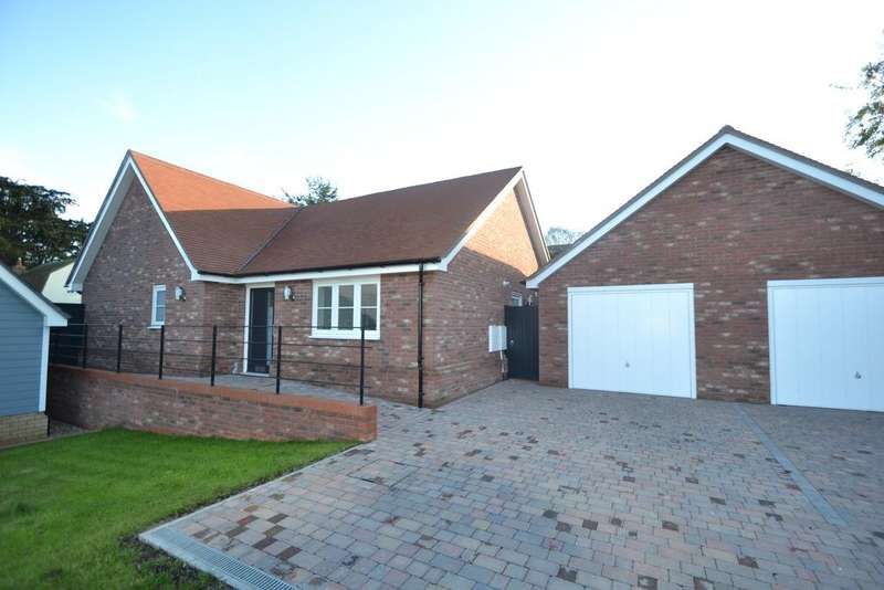3 Bedrooms Detached Bungalow for sale in Old Stables, Walton Road, Kirby-le-Soken, Essex CO13