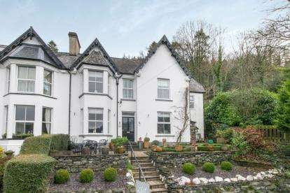 6 Bedrooms Semi Detached House for sale in Lon Muriau, Llanrwst Road, Betws-Y-Coed, Conwy, LL24