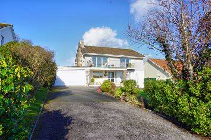 4 Bedrooms Detached House for sale in Duporth, St Austell, Cornwall
