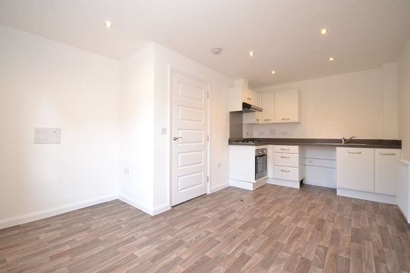 2 Bedrooms Terraced House for rent in East Cowes, Isle Of Wight