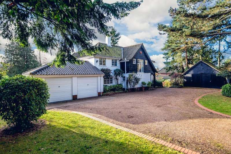 4 Bedrooms Detached House for sale in Ropes Hill, Horning
