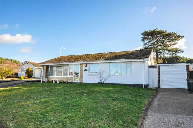 4 Bedrooms Detached House for sale in Dreswick Close, CHRISTCHURCH, Dorset