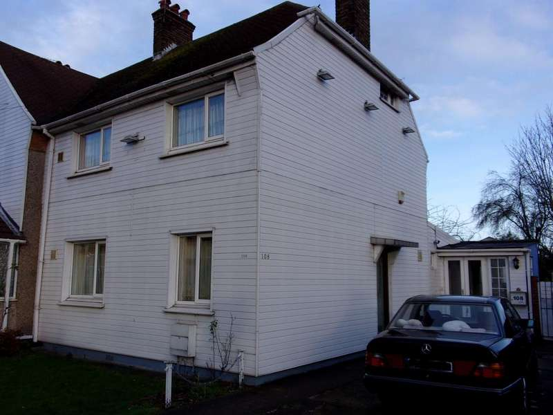 4 Bedrooms Semi Detached House for sale in Lady Margaret Road, Southall UB1