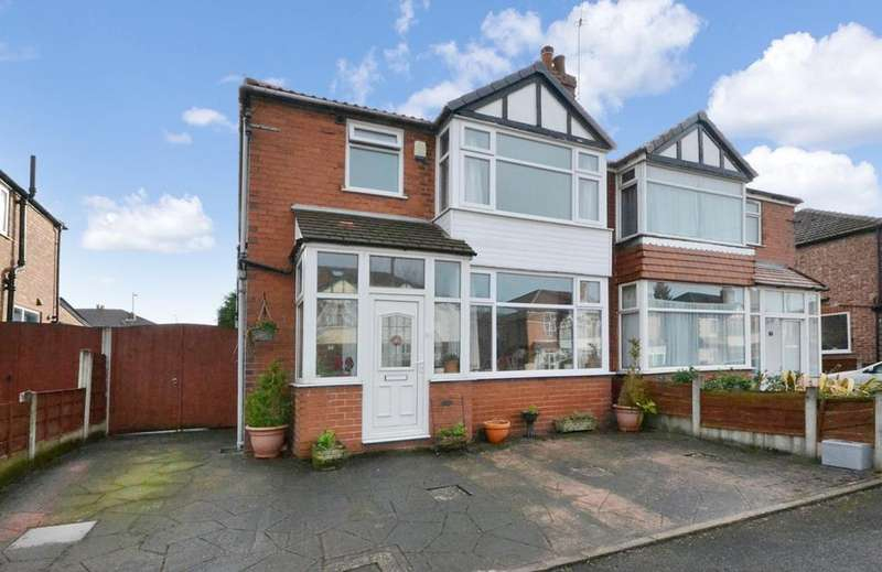 3 Bedrooms Semi Detached House for sale in Saddlewood Avenue, Didsbury
